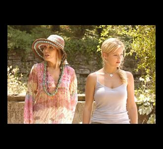 Amanda Lear et Virginie Efira sur le tournage de la...