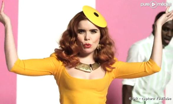 "Paloma Faith dans le clip de ""Upside Down"""