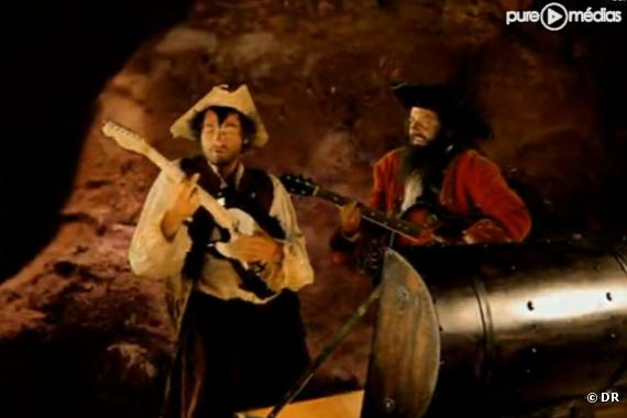 """Matthieu et Louis Chedid dans le clip de """"Tu peux compter sur moi"""""""
