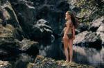 Universal camoufle les fesses de Natalie Portman !