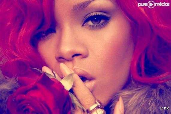 """Rihanna sur la pochette du single """"S&M"""""""