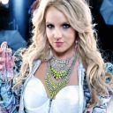 """Britney Spears dans le clip de """"Hold It Against Me"""""""