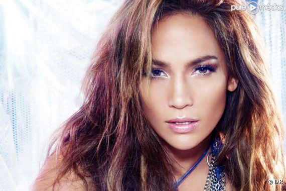 """Jennifer Lopez sur la pochette du single """"On the Floor"""""""