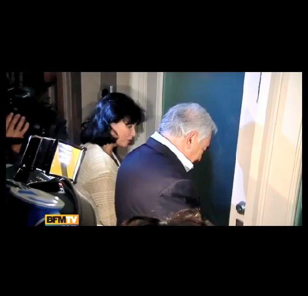 DSK bloqué à sa porte