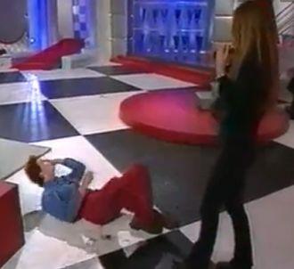 Hélène Rollès dans un jeu délirant sur le plateau de...