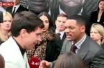 Vidéobuzz : Will Smith gifle un journaliste qui tentait de l'embrasser !