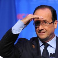 François Hollande demande à ses ministres de ne pas abuser des réseaux sociaux