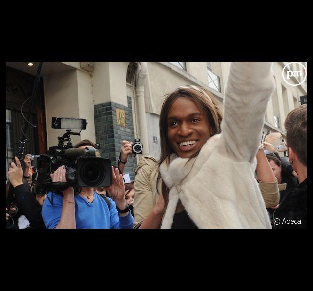 La mère de François-Xavier annonce porter plainte contre Endemol après le suicide de son fils
