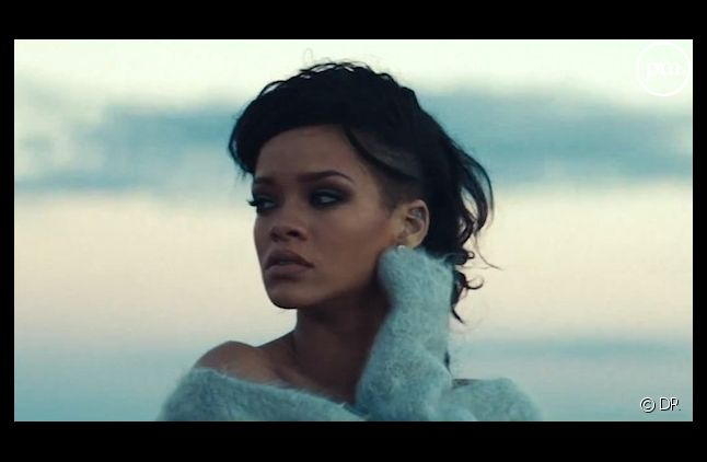 "Rihanna dans le clip de ""Diamonds"""