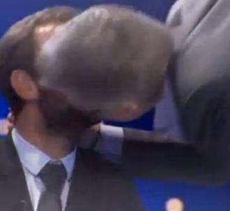 Laurent Ruquier embrasse Jérémy Michalak dans 'On...