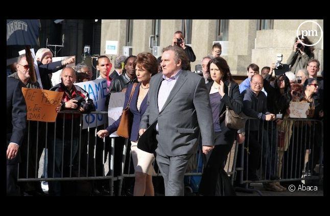 Gérard Depardieu et Jacqueline Bisset dans la peau de DSK et Anne Sinclair