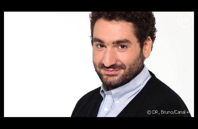 """Mouloud Achour présente sa """"Clique"""", chaque samedi sur Canal+."""