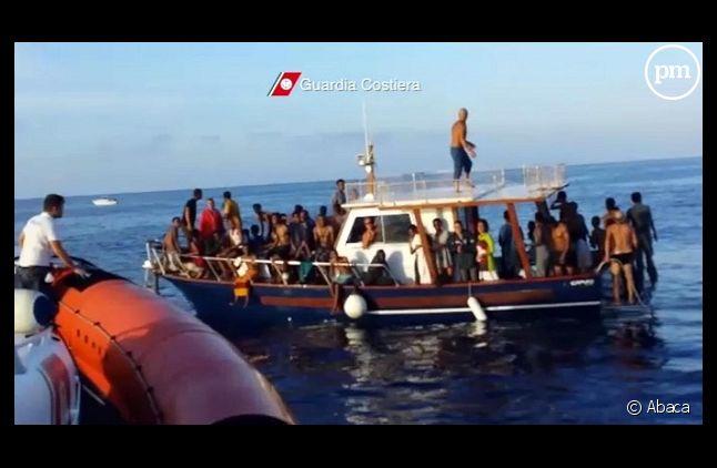 Des clandestins secourus par des gardes-côtes italiens près de Lampedusa le 4 octobre dernier.