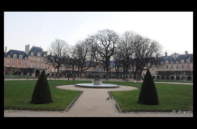 La Place des Vosges est l'une des plus belles places de Paris.