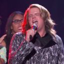 "Caleb Johnson reprend ""As Long As You Love Me"" de Mark Haze lors de la finale de la saison 13 d'""American Idol"""