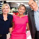 """Anne-Elisabeth Lemoine, Anne-Sophie Lapix et Pierre Lescure, dans """"C à vous"""", sur France 5."""