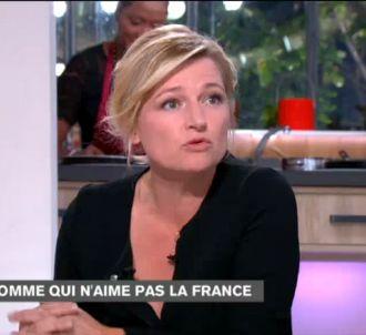 Anne-Elisabeth Lemoine dans 'C à vous' sur France 3.