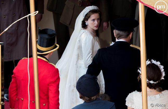 """<span>Claire Foy en reine Elizabeth II sur le tournage de """"The Crown""""</span>"""