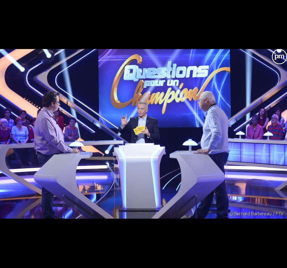 """<p class=""""p1"""">Samuel Etienne présente depuis lundi """"Questions pour un champion""""</p> <p class=""""p3""""></p> <p class=""""p4""""></p> <p class=""""p4""""></p>"""