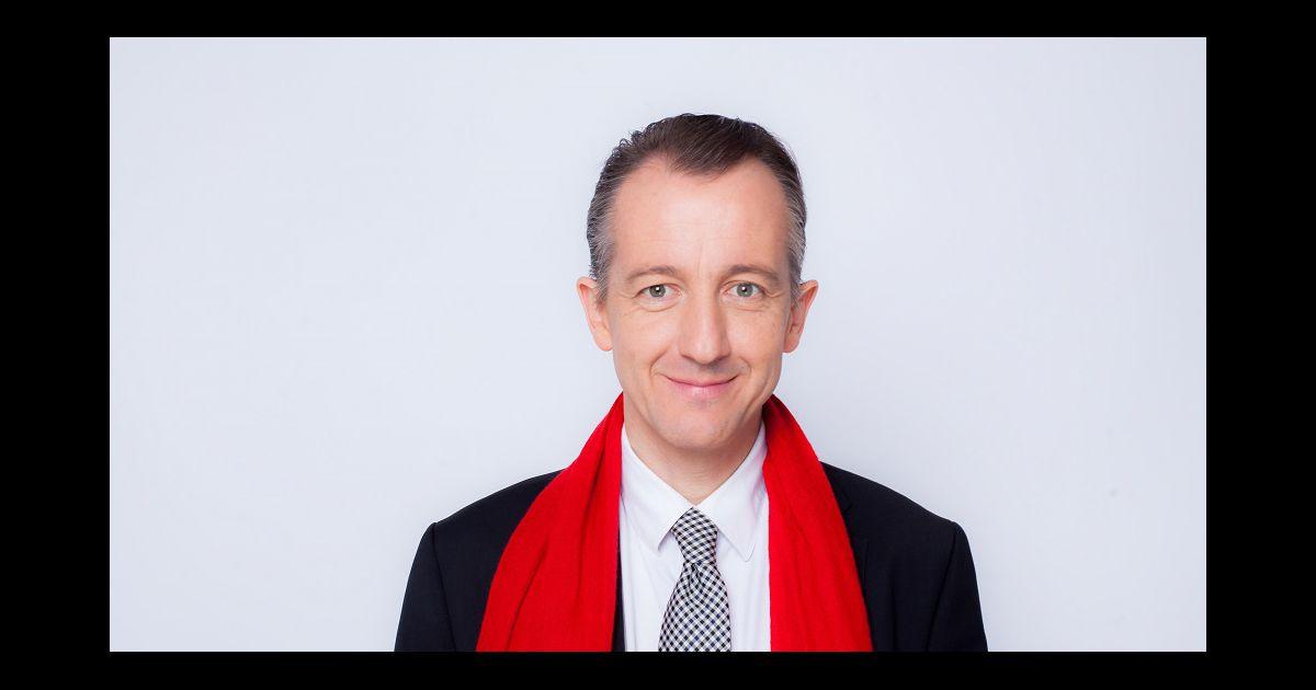 50c24f0ee75e Echarpe rouge homme journaliste - Idée pour s habiller