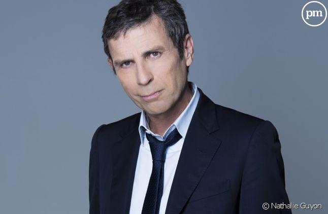 Les Terriens du samedi : pourquoi Yann Moix est déjà remplacé sur C8 ?