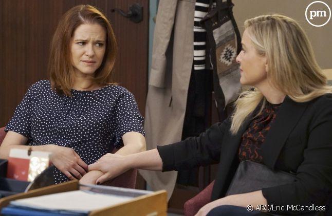 """Sarah Drew et Jessica Capshaw, dans """"Grey's Anatomy"""""""