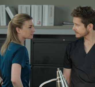 Emily VanCamp et Matt Czuchry dans 'The Resident'