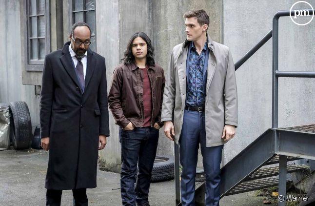"Jesse L. Martin, Carlos Valdes et Hartley Sawyer dans ""Flash"""
