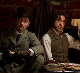 Jude Law et Robert Downey, Jr. dans 'Sherlock Holmes 2 :...