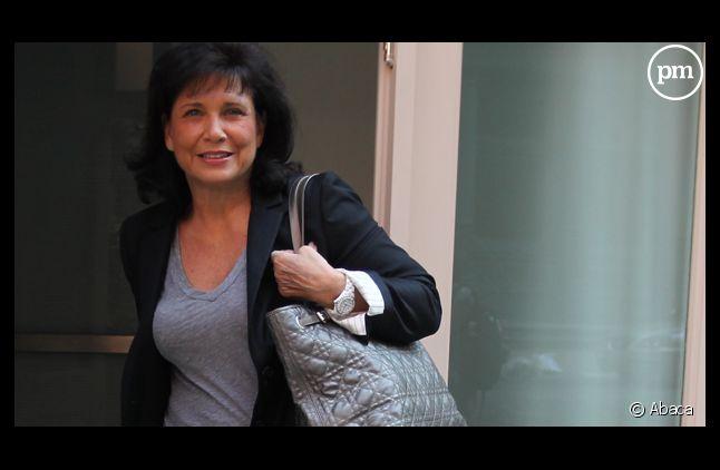 """Anen Sinclair accorde une interview au magazine """"Elle""""."""