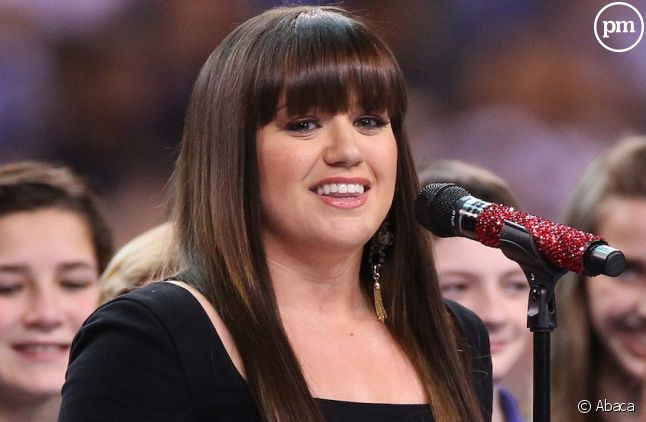 Kelly Clarkson au Super Bowl 2012