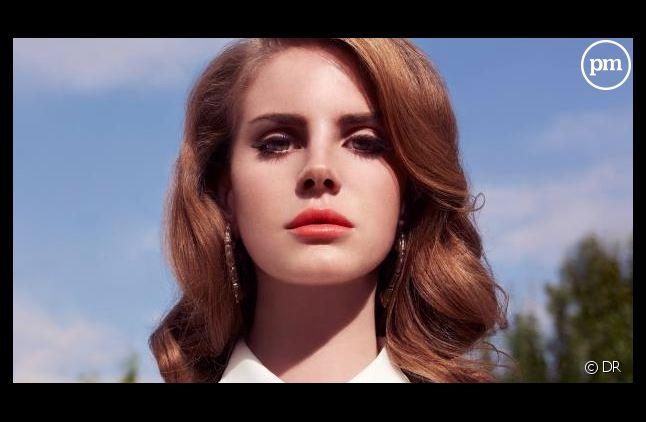 """Lana Del Rey sur la pochette de l'album """"Born to Die"""""""