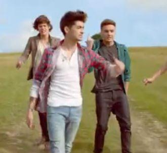 Les One Direction dévoilent le clip de 'Live While We're...