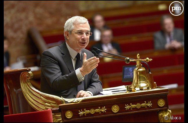 Claude Bartolone, le président de l'Assemblée, estime que la question de Twitter dans l'hémicycle est plus facile à poser qu'à résoudre.