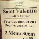 Pour la Saint Valentin, un Subway d'Angers a fait une offre réservée aux couples hétérosexuels.