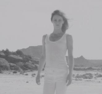 Vanessa Paradis dévoile le clip de 'Les espaces et les...