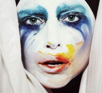 Lady Gaga - 'Applause'