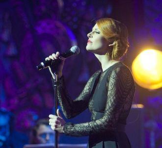 <p class='p1'>Elodie Frégé participe au concert en...