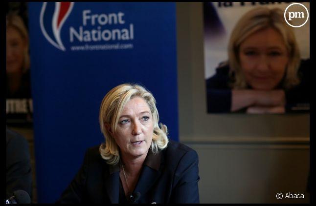 Marine Le Pen accuse les médias de surveiller ses candidats aux municipales