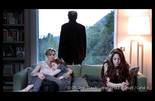 """""""Les Revenants"""" a été élue """"meilleure série dramatique"""" aux 41e International Emmy Awards"""