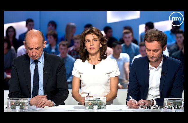 """Anne Nivat sur le plateau du """"Grand Journal""""."""