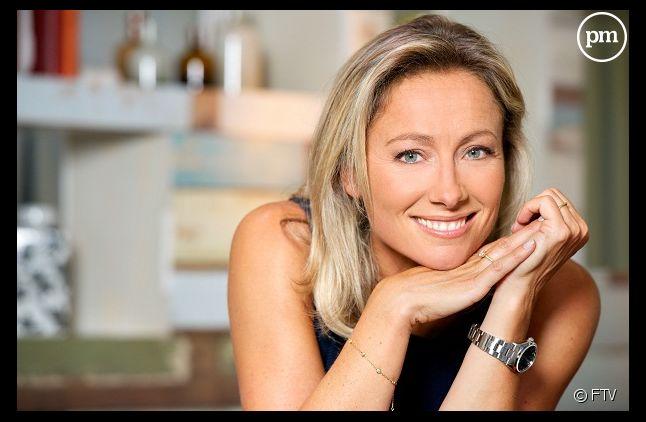 """Anne-Sophie Lapix continue à la tête de """"C à vous"""" sur France 5 à la rentrée."""