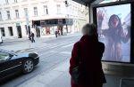 """Pub : Pour le retour de """"Walking Dead"""", une chaîne autrichienne tente d'effrayer des passants avec des zombies"""
