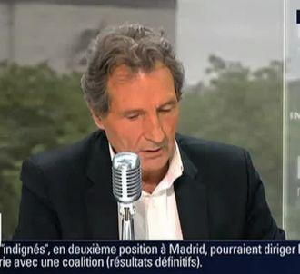 'Le Petit Journal' : Yann Barthès se moque des trous de...