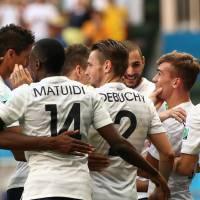 TF1 et beIN décrochent les droits de la Coupe du monde de football 2018 et 2022