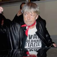 Disques : Renaud talonné par Rihanna, David Bowie tient bon face à