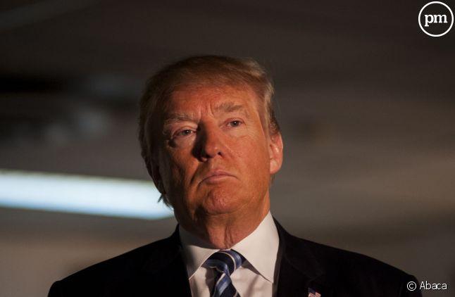 """Donald Trump parle à """"Valeurs Actuelles""""."""