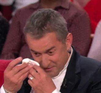 Christophe Dechavanne très ému dans 'Vivement dimanche'
