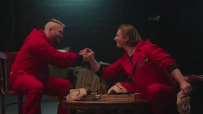 """""""La Casa de Papel"""" : Le rappeur Jul fait une apparition surprise dans un teaser de la saison 3"""