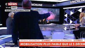 """CNews : Un syndicaliste quitte le plateau après un échange musclé dans """"Punchline"""""""